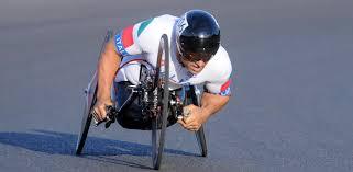 Il pilota BMW Alex Zanardi si prepara per due triathlon nel 2017