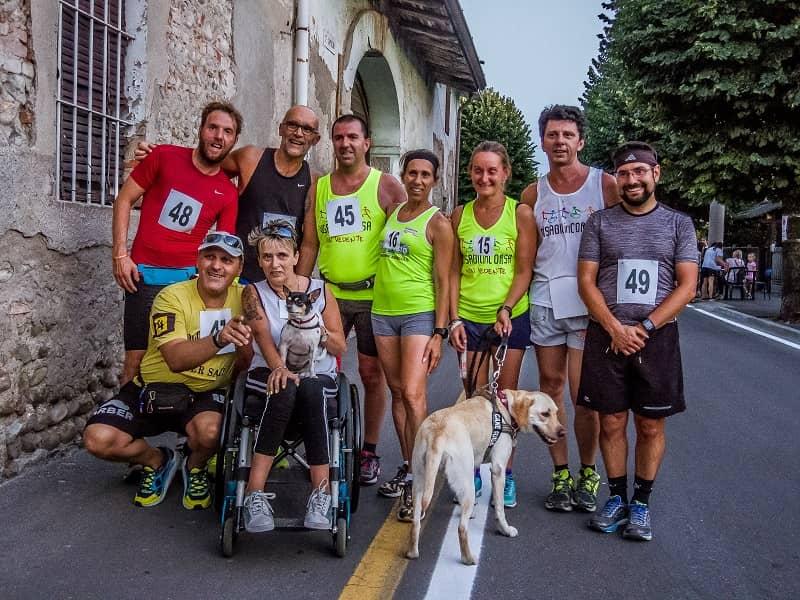 Runners non vedenti alla maratona di Milano
