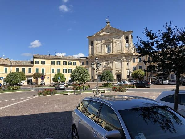 la bellissima piazza a San Lorenzo