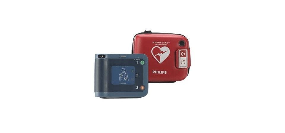 Solidarietà a Treviglio, donato un defibrillatore a Croce Rossa Italiana